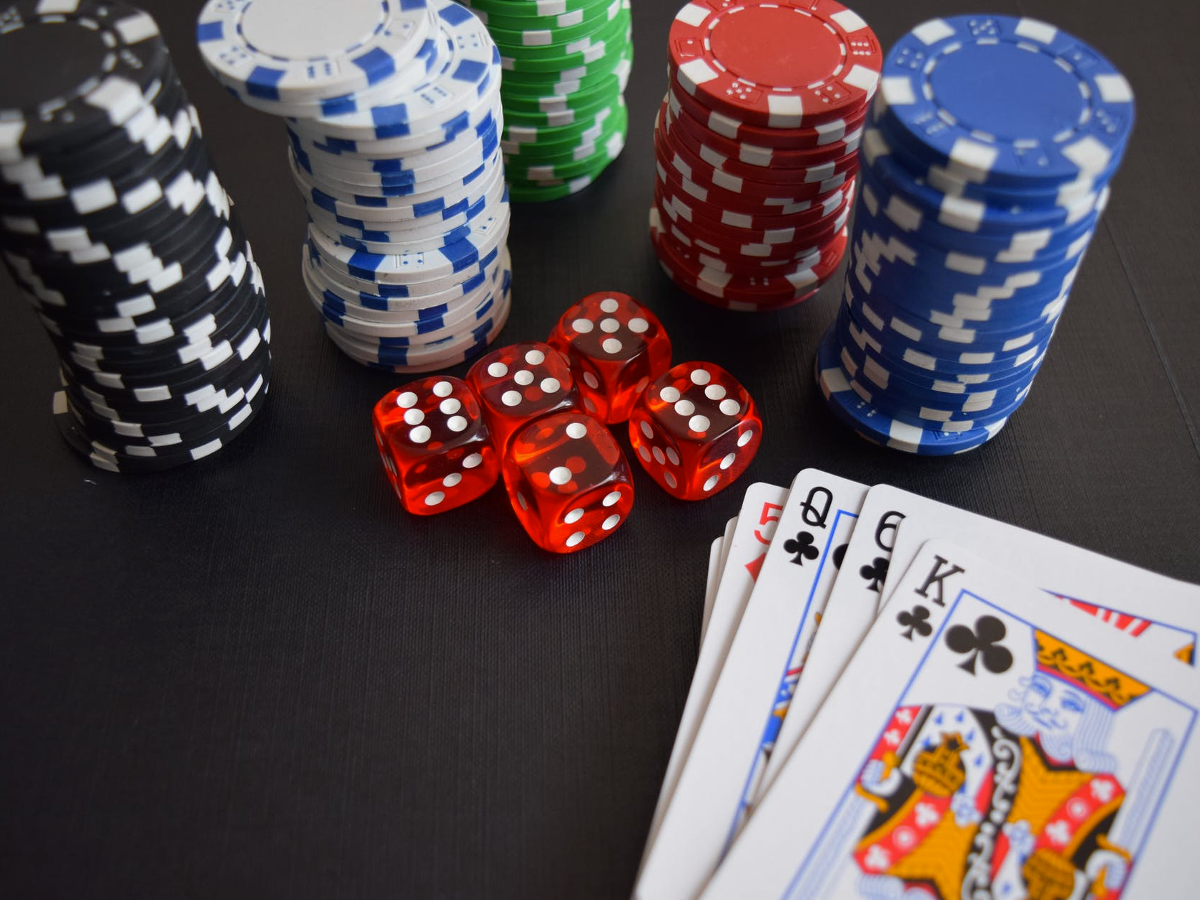 Blog Post-3 Games of Chance in Online Casino and The Things You Should Know